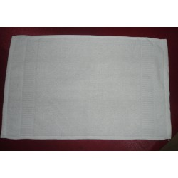 HAND TOWEL WHITE LUXURIOUS  HAND TOWEL . HAND TOWEL WEIGHT 150 GMS. SIZE 16' X 24""